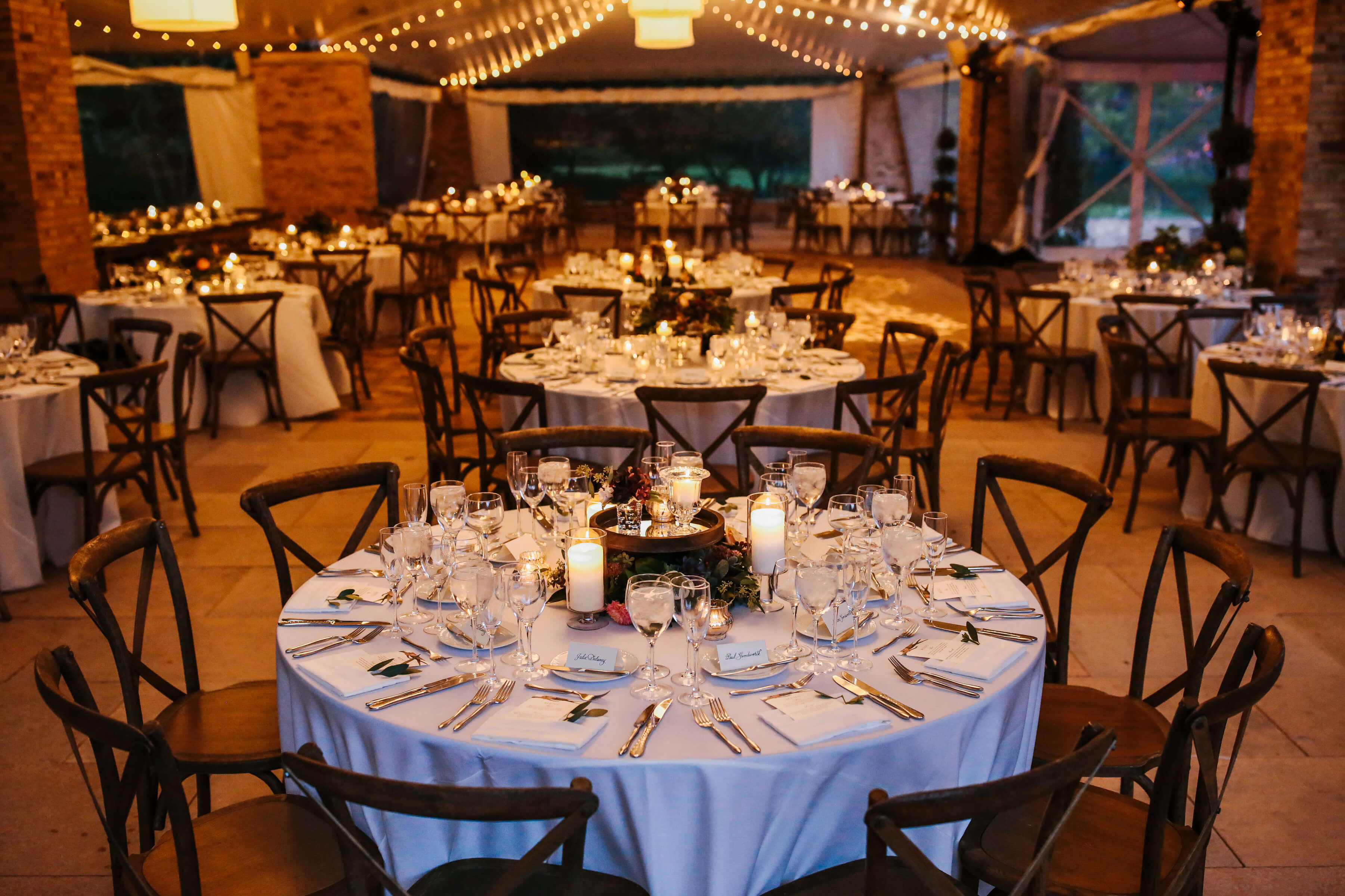 Burgundy Botanic Fall Wedding ⋆ Nico and Lala