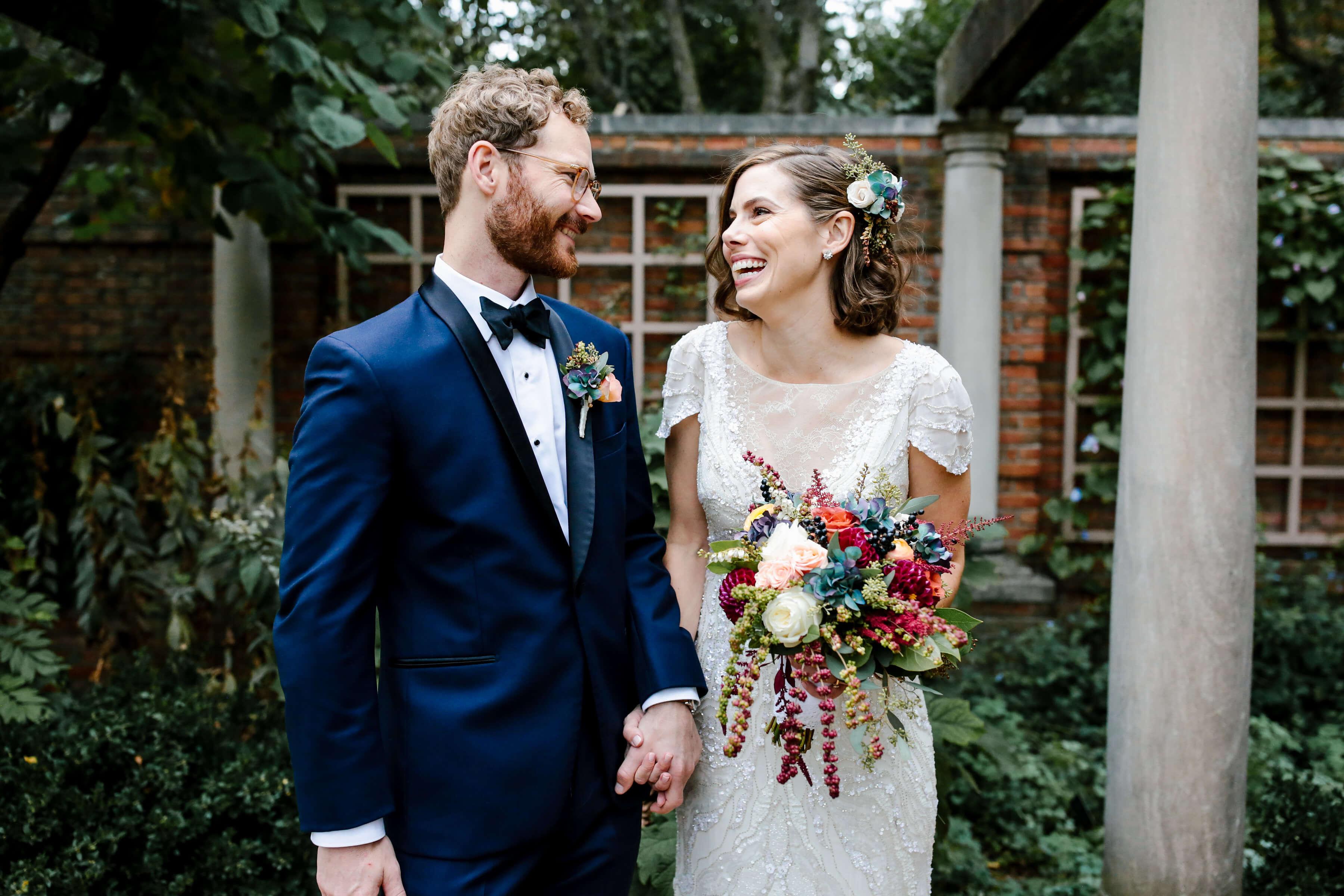 Burgundy-Flowers-Fall-Wedding