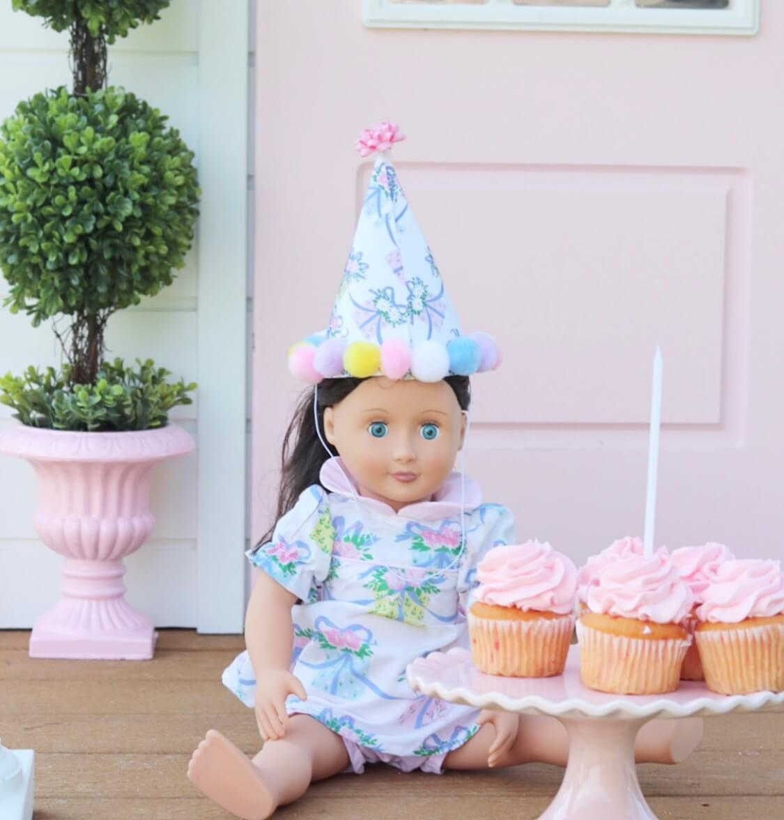 Beaufort Bonnet doll with cupcakes