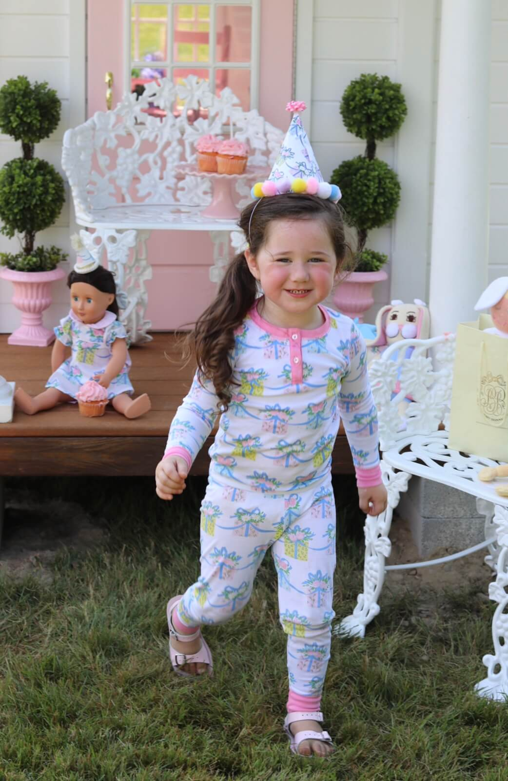 Beaufort Bonnet Birthday playhouse and doll