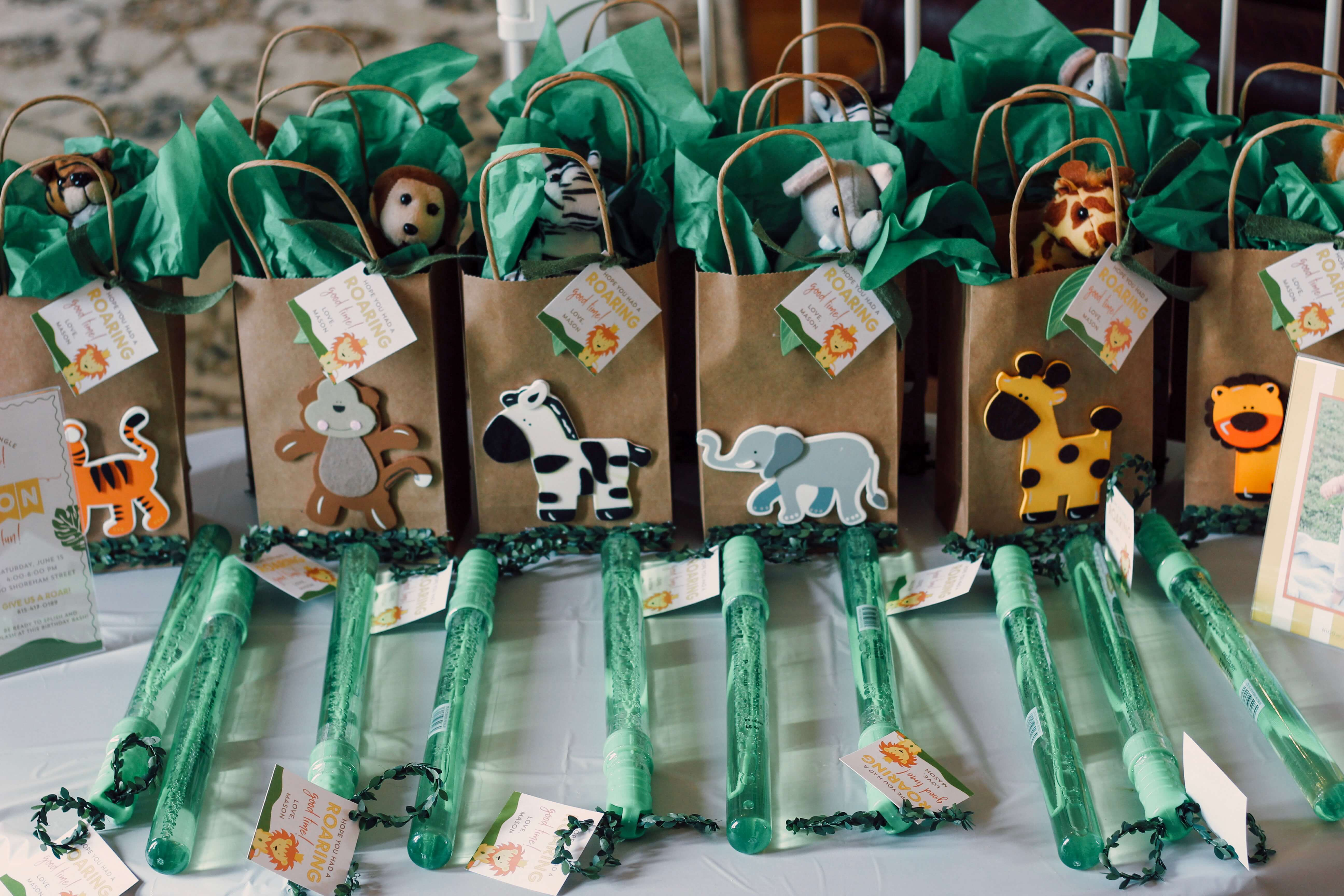 King of the jungle party favors